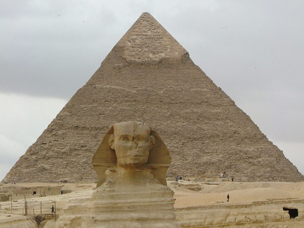 Sphinx facts on the egyptian pyramids