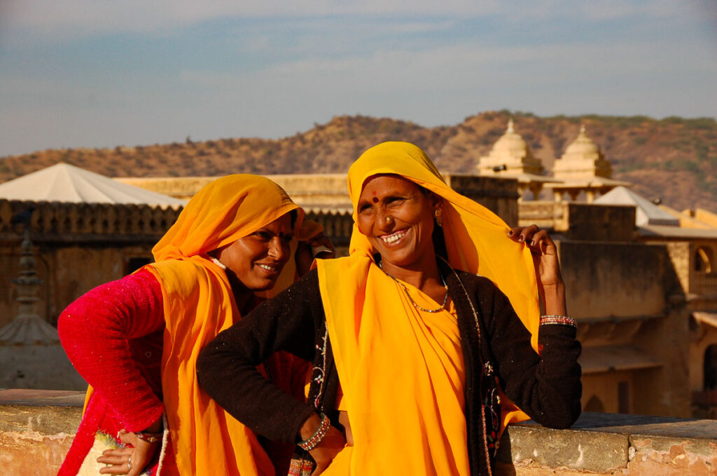 indian ladies at the amber fort india