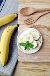 sliced bananas to serve